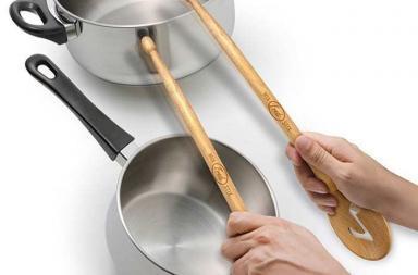 Cucchiai di legno per una cucina rock