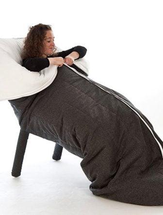 The Slanket Armchair, la poltrona sacco a pelo