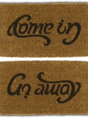 Go Away / Come in, il tappeto occasionale
