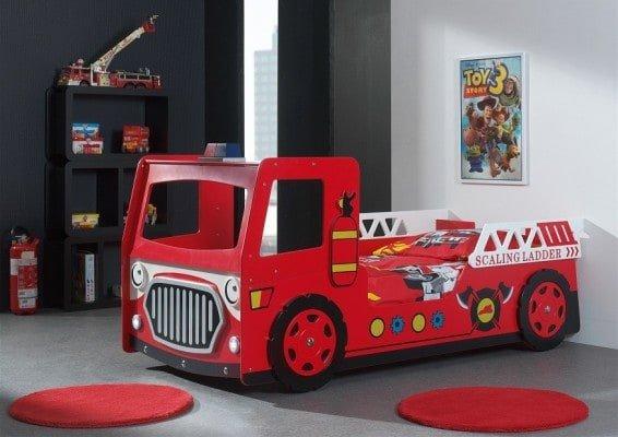 Letto A Forma Di Auto Da Corsa : Letti per bambini a forma di macchina foto design mag