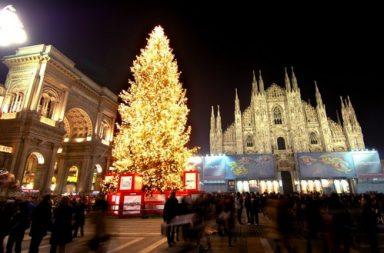 I più celebri alberi di Natale di Milano