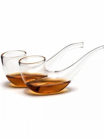 Pipe di vetro: bicchieri insoliti per degustare drink