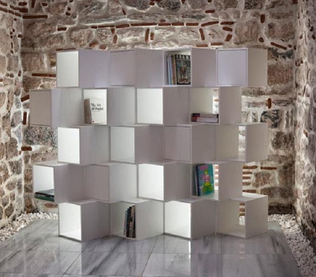 10 librerie componibili per arredare il soggiorno design for Libreria a cubi componibili