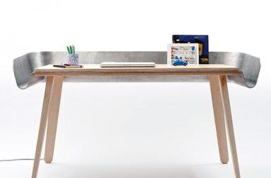 Homework Table di Tomas Kral