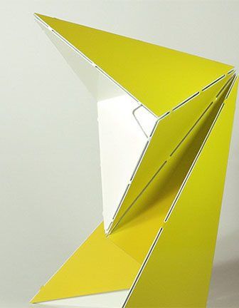 Origami Table Lamp di Mirco Kirsch