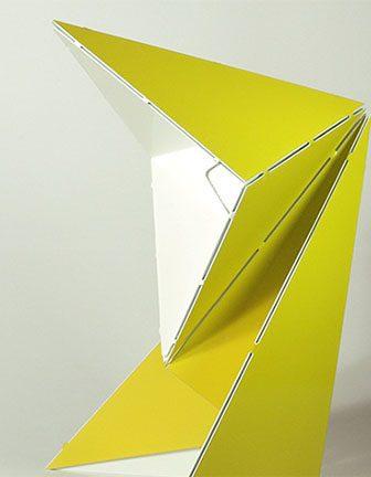 Origami Table Lamp di Mirco Kirsch