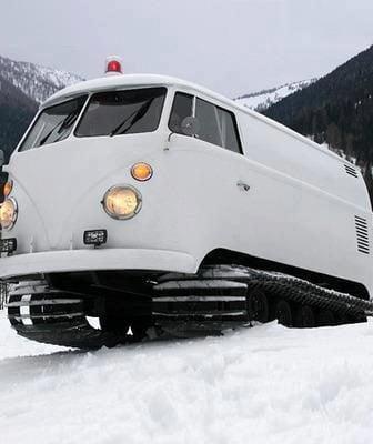 Van Volkswagen Snow Tracks