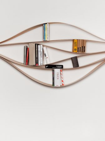 Chuck: Flexible Bookshelf