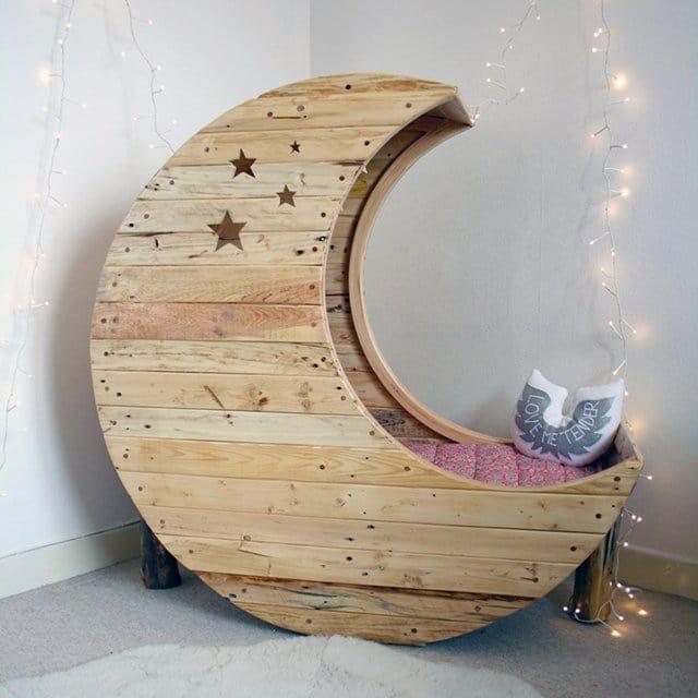 Costruire Culla In Legno.Moon Cradle La Culla Per Neonati A Forma Di Luna Design Miss