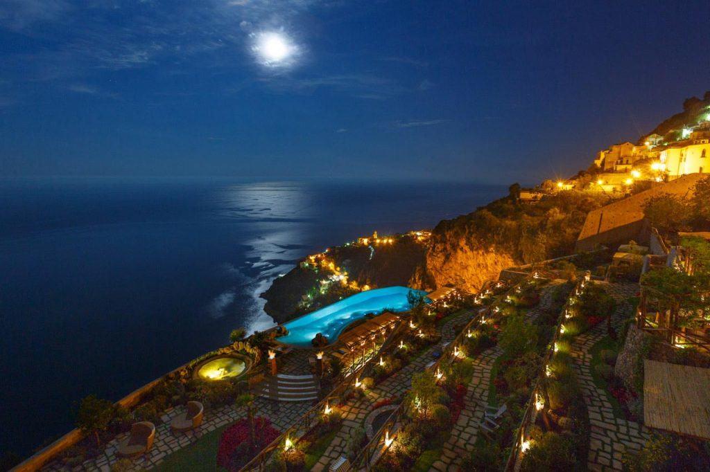 moon-night-amalfi-hotel