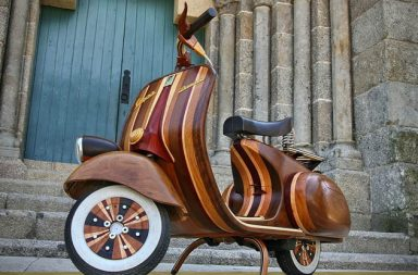 Wood Vespa by Carlos Alberto