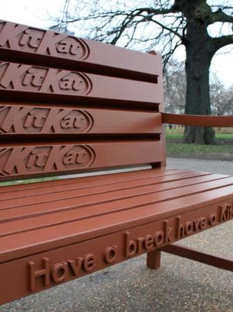 "Panchina Kit Kat ""Have a break, have a KitKat Bench"""