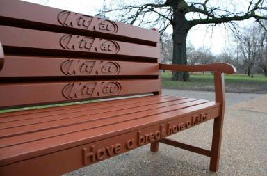 "Panchina Kit Kat ""Have a break, have a KitKat Bench"""