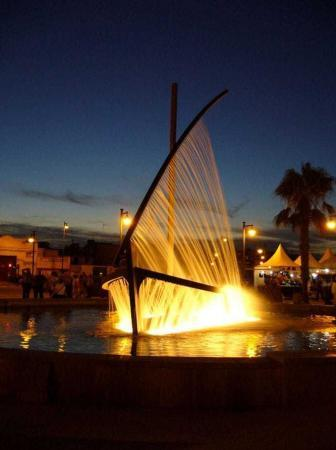 Water Boat Fountain – Valencia