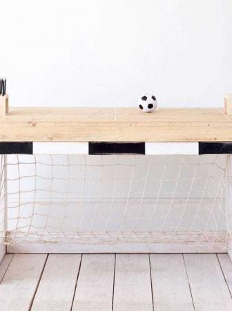 JAN football table