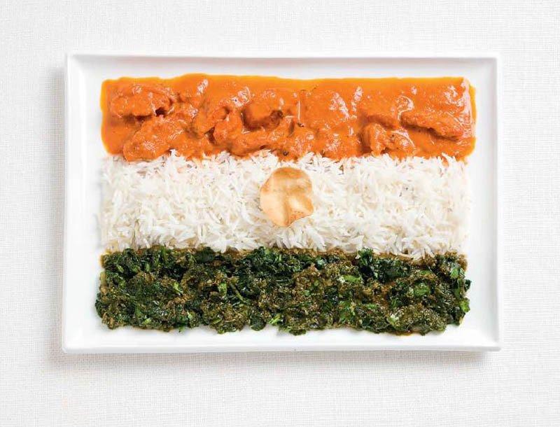 INDIA: pollo al curry, cheera thoran e papadum wafer