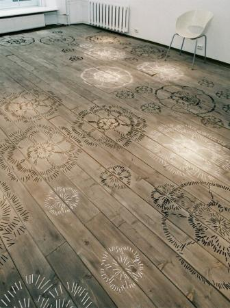 FLOOR Embroidered Space