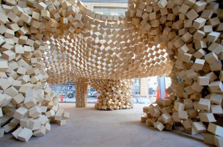 7000 Wooden Cube Installation by Ken Yokogawa