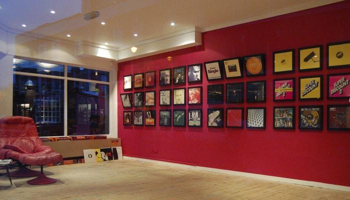 The Flip Frame for Vinyl Singles