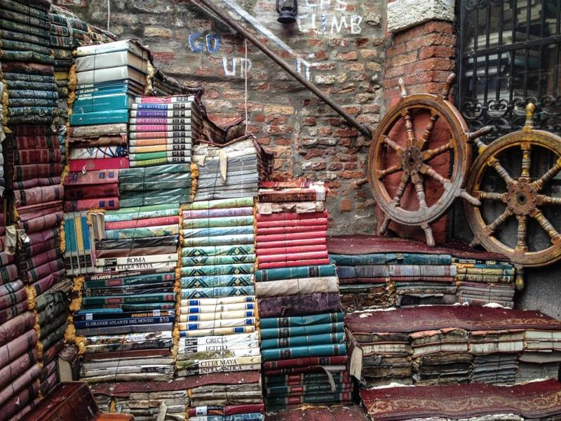 venezia-libreria-acqua-alta1