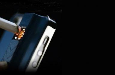 Lighter iPhone 5 Case: cover accendino