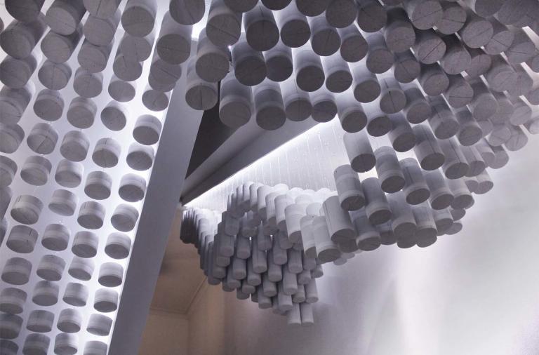 """Installazione """"La Nube"""" by Bea e Mecha Palacio"""
