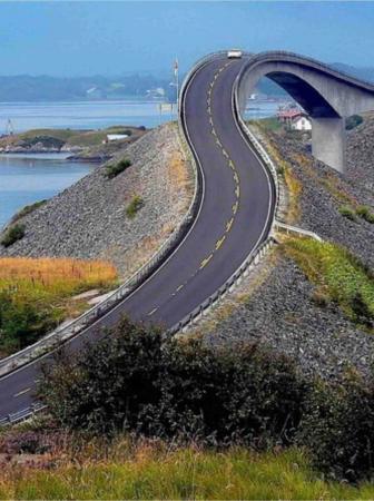 Atlanterhavsveien: un ponte vertiginoso sull'oceano