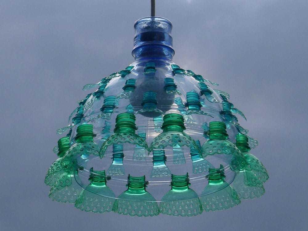 Top L'arte dal riciclo delle bottiglie di plastica - Design Miss QR14