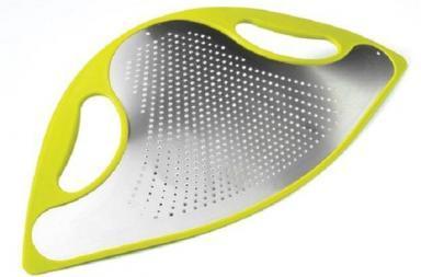 """""""Flexite Grater"""": la grattugia in acciaio flessibile"""