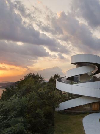Chiesa moderna by Hiroshi Nakamura