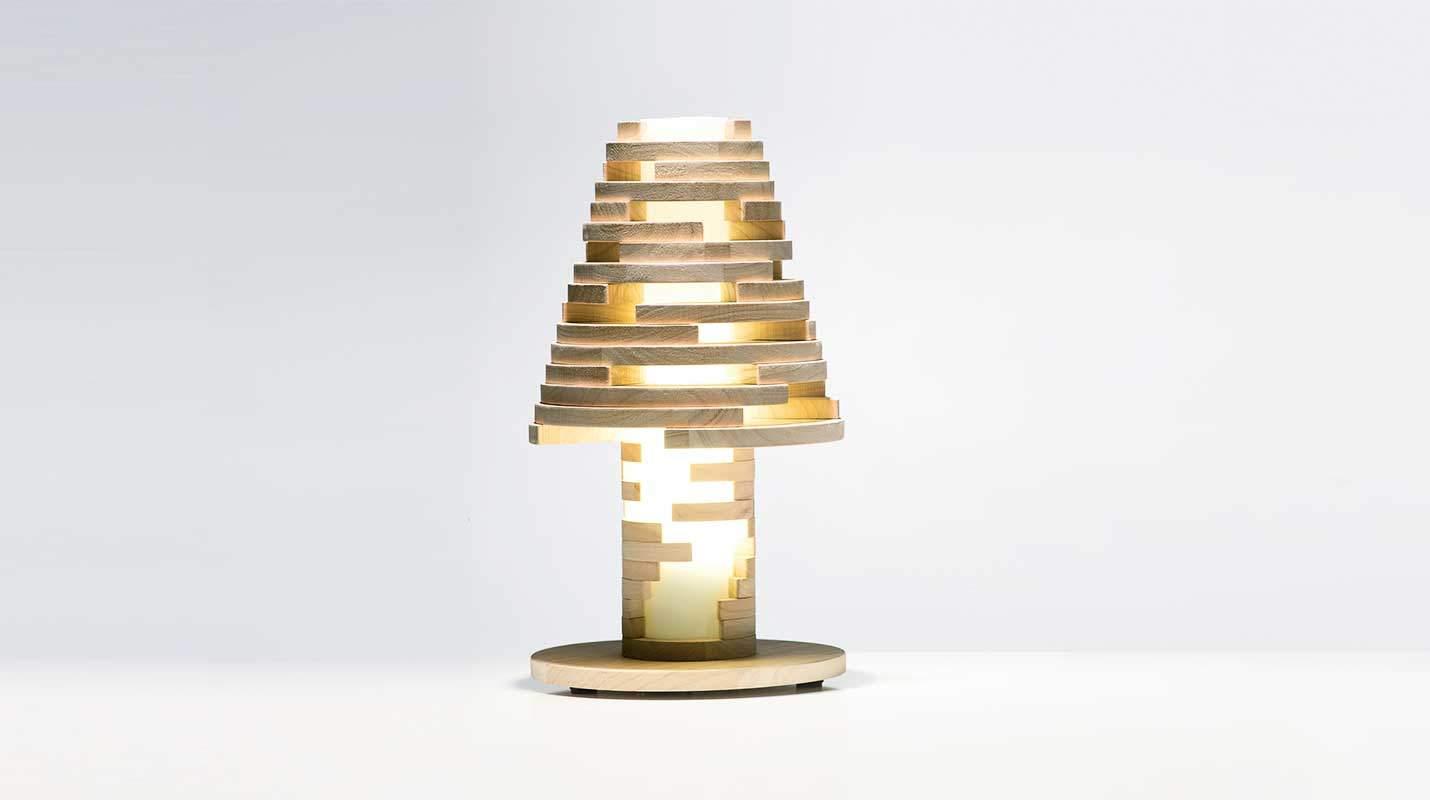 Lampada da tavolo design miss - Lampada da tavolo di design ...