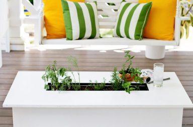 Tavolo con fioriera