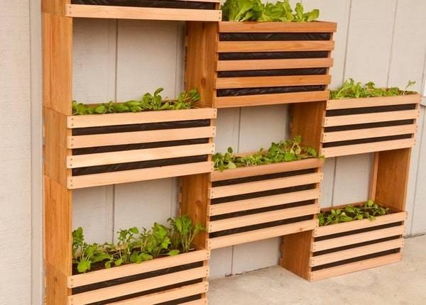 Orto verticale in legno design miss - Parete in legno fai da te ...