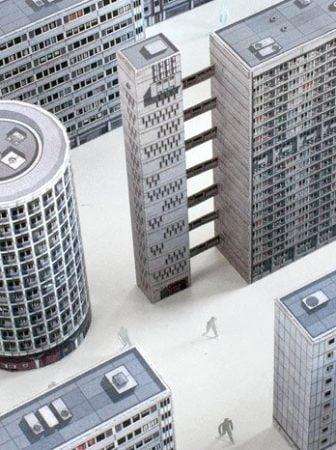 Edifici londinesi in carta riciclata