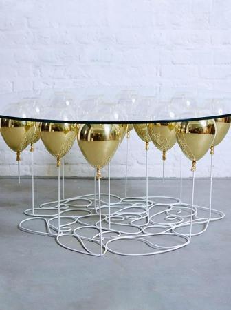Up Balloon, un tavolino da caffè sospeso nell'aria