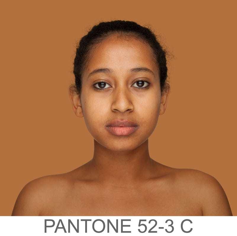 pantone 52-3 C