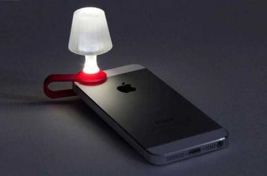 LUMA, lo smartphone diventa una lampada da comodino