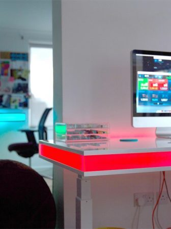 Tableair, il tavolo hi-tech regolabile con un'App