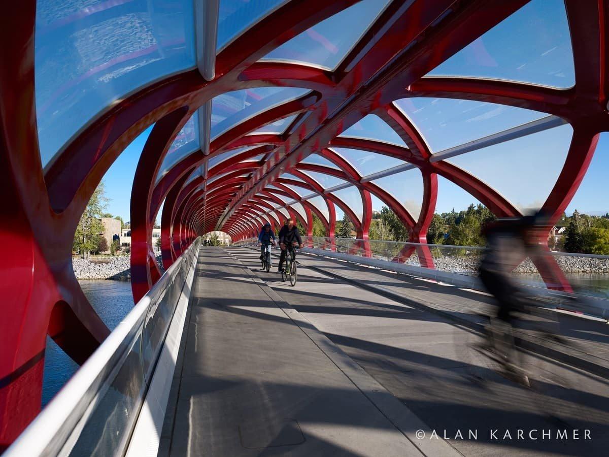 Peace Bridge, Calgary, Architect: Santiago Calatrava