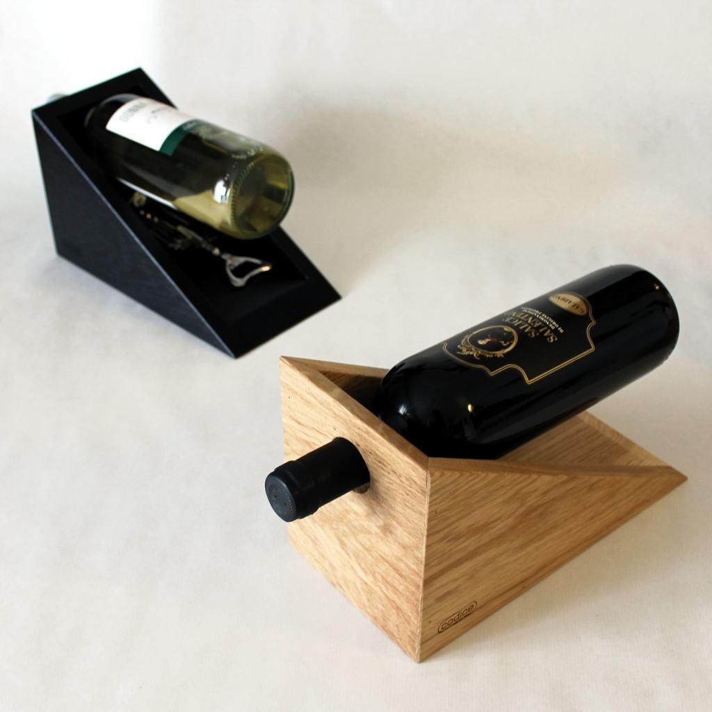 Portabottiglia espositore in legno di rovere design miss for Accessori cucina design on line