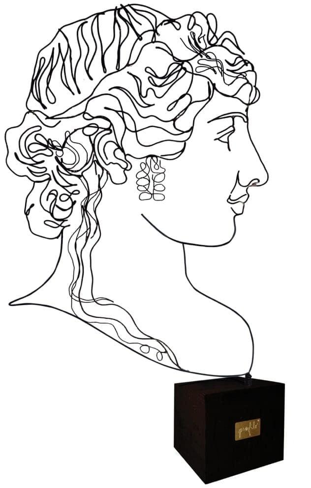 sculture-tavolo-timidezza-neoclassiche_ida-la-poco-timida