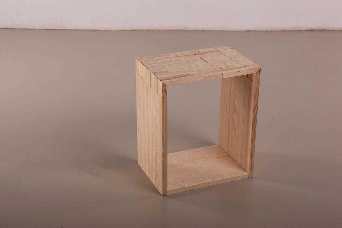 Sgabello legno design miss
