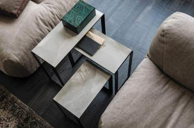 Una serie di tavolini per arricchire la zona living