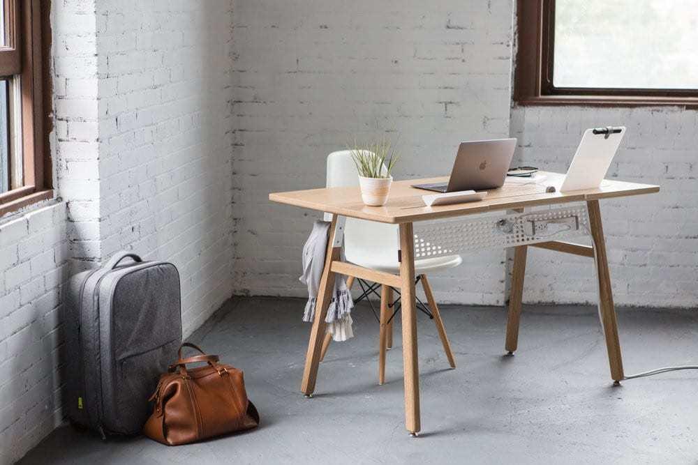 Scrivania design minimal desk 02 by artifox design miss for Scrivania design