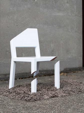 "Cut Chair, la sedia ""tagliata"" di Peter Bristol"